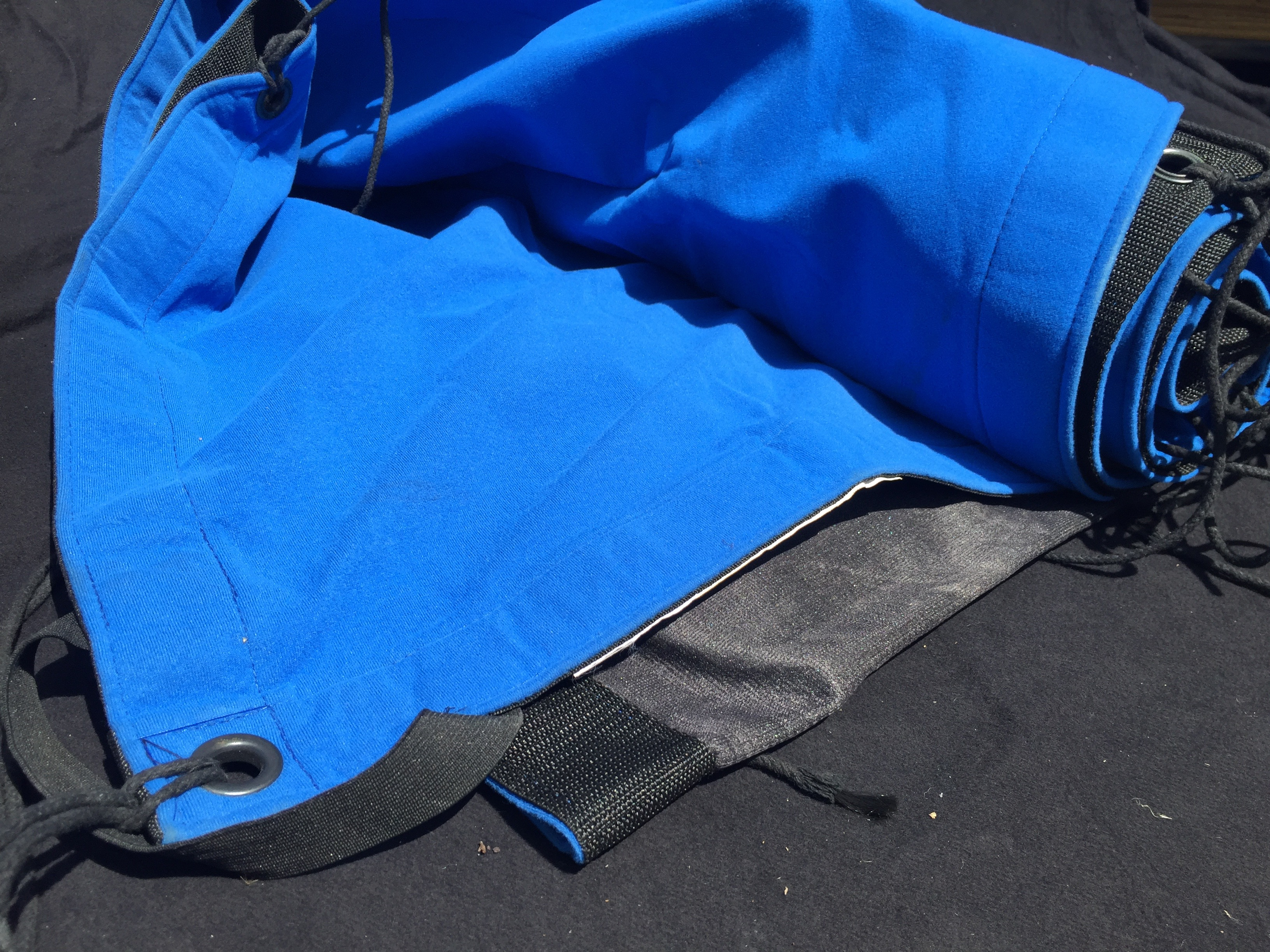 Blue Screen. All screen come with reinforced eyelets and laces.