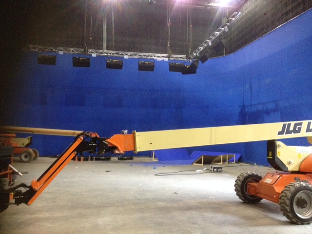 Curved Blue Screen for hire