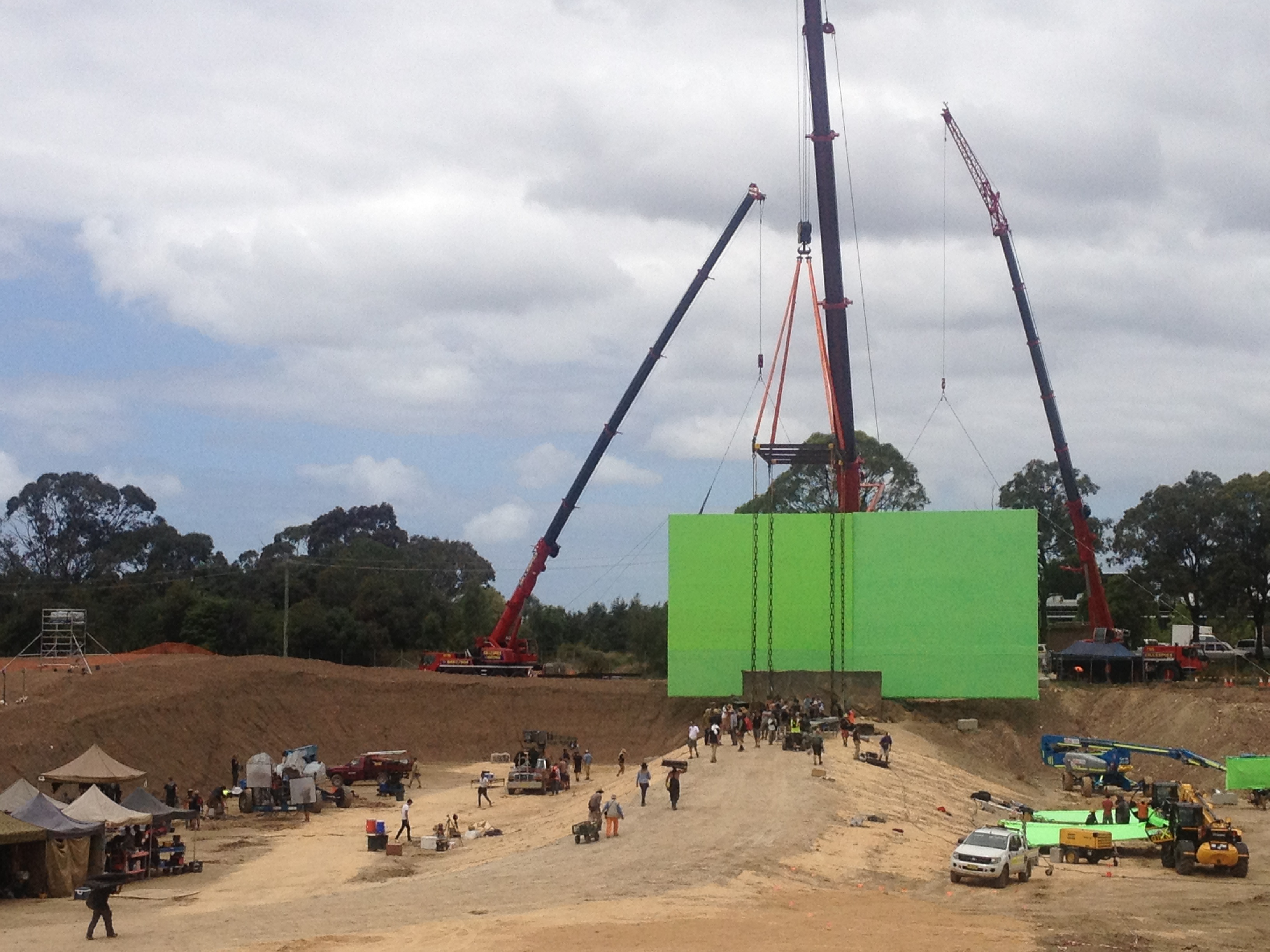 2 of 40' x 40' Screens with Box Truss Frames, flown by cranes.